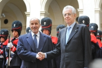 Mustafa Abdel Jalil con Mario Monti 1