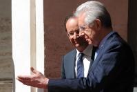 Mario Monti con Francois Hollande