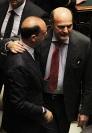 L'abbraccio tra Bersani e Alfano
