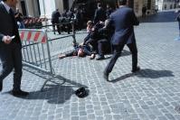 Attentato carabiniere a Piazza Colonna02