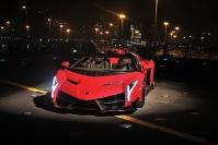 20131201 - La Lamborghini corre sulla portaerei