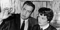 "Raymond Burr con Barbara Hale in ""Perry Mason"""