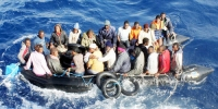 Migranti, gommone in partenza vittima di spari
